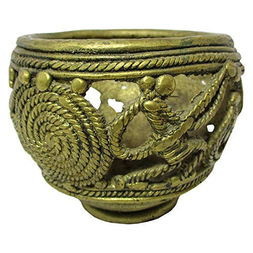 Handmade Brass Dhaokra Art Pot Showpiece